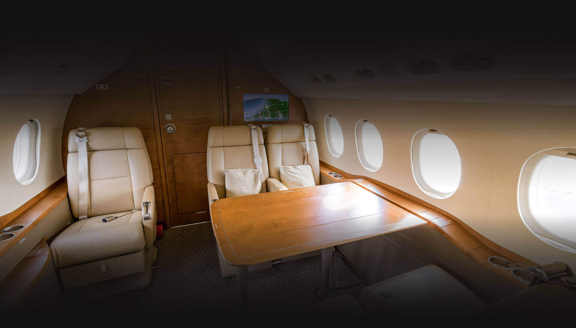 Aircraft Interior - Falcon 2000LXS