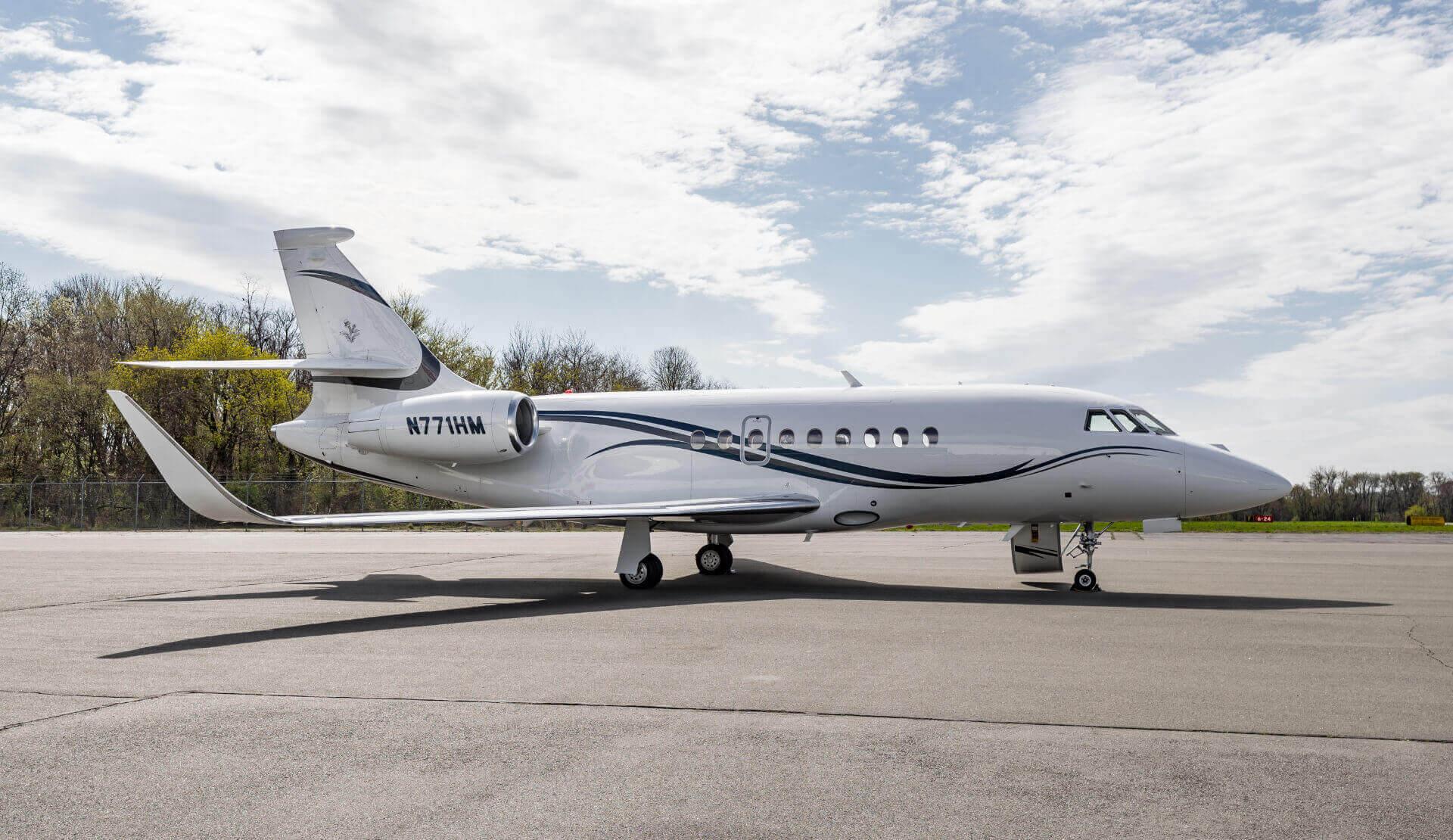 Aircraft Exterior - Falcon 2000LXS